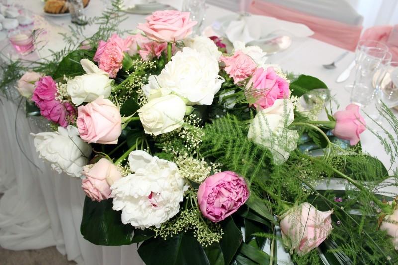 roses-743703_1280